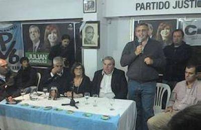 Lanzaron la mesa Julián Domínguez Gobernador en Azul