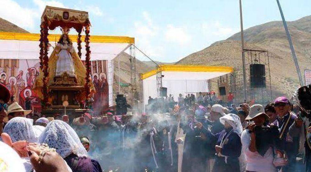 Perú: Arzobispo pide a la Virgen por la paz en zona convulsionada de Arequipa