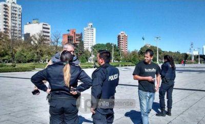 Bruera envió a la Policía para reprimir intervención artística de Familiares de Víctimas de la Inundación