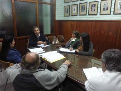 Agroquímicos y los murales, dos reuniones en el Concejo