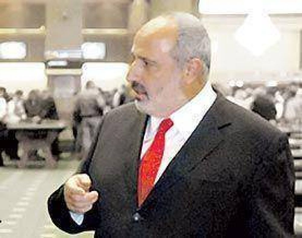 Por las denuncias judiciales, Scioli echó al titular de Lotería