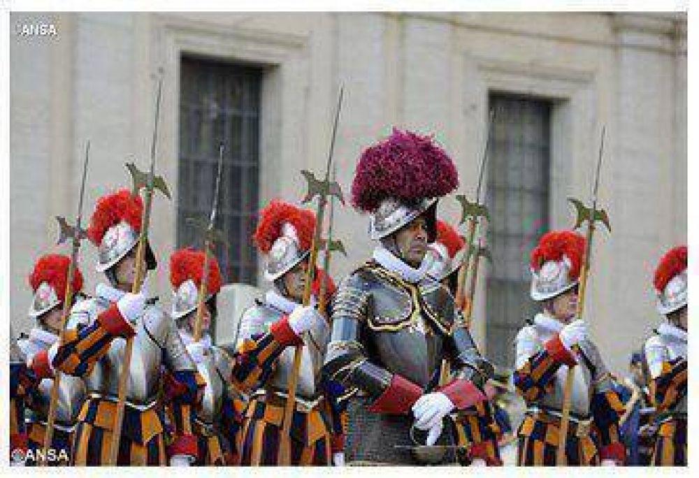 Ustedes son un 'rostro' de la Santa Sede: el Papa a los Guardias Suizos