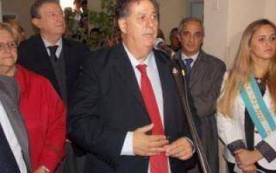 Sin Scioli, Collia inauguró sala de internación en el Hospital de Rauch
