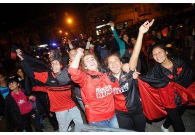 Las calles se tiñeron de rojo y negro