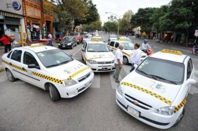 Por la suba del GNC, taxistas van por otro aumento de tarifa