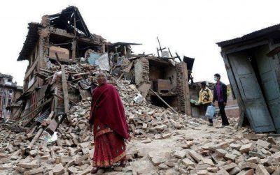 Nueve días después del terremoto, rescataron a dos sobrevivientes en Nepal