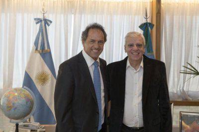 La precandidatura presidencial de Scioli sumó el apoyo de otro referente sindical