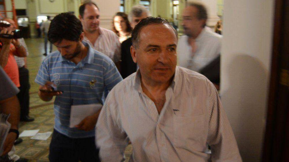 El secretario de Obras Públicas desmiente ahora que vaya dejar su cargo a fin de mayo