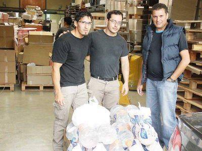 Repartieron bolsas de mercadería, agua y barbijos para celebrar su Día