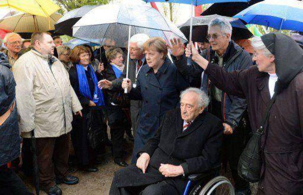 En una ceremonia en Dachau, Merkel advirtió sobre el resurgimiento del antisemitismo