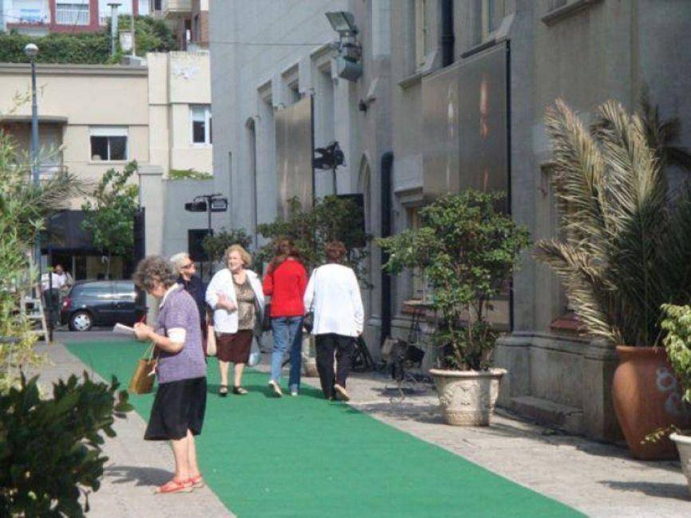 Aseguran que el Obispado usurpa el espacio público Pasaje Catedral