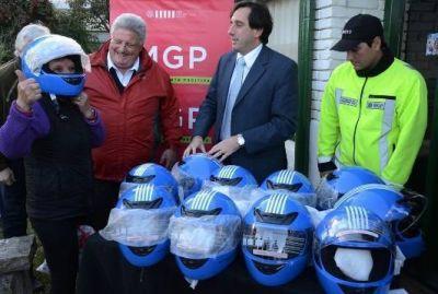 El municipio entregó cascos en la localidad de Batán
