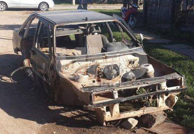 En solo 59 días quemaron 27 autos en barrios de la ciudad de Santa Fe