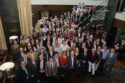 Empresarios de FEHGRA se reúnen en El Calafate