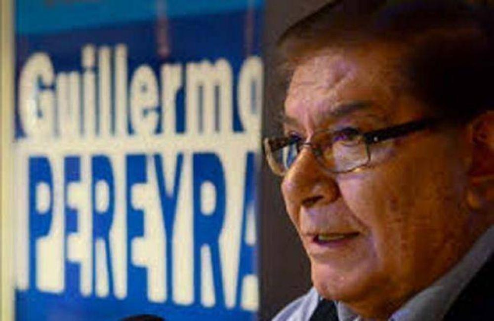 """Pereyra advierte : """"Habrá una cadena de conflictos salariales"""""""