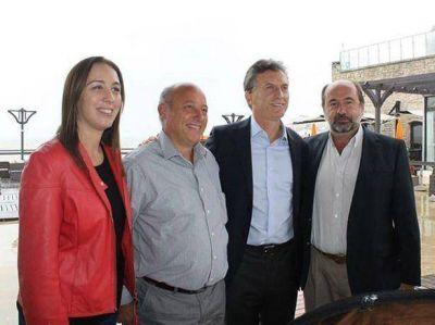 Dirigentes geselinos junto a Mauricio Macri