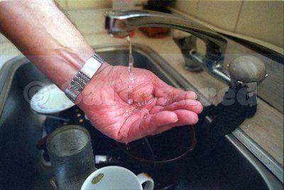 Responsabilizan al municipio por la falta de agua