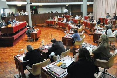 El oficialismo aprob� el endeudamiento por $1.200 millones