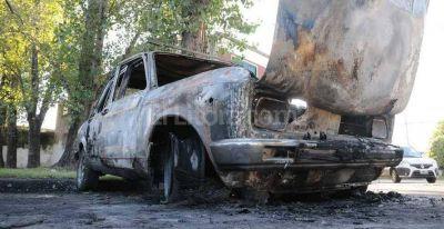 Quema-coches: Corral convocó una reunión para tratar el tema