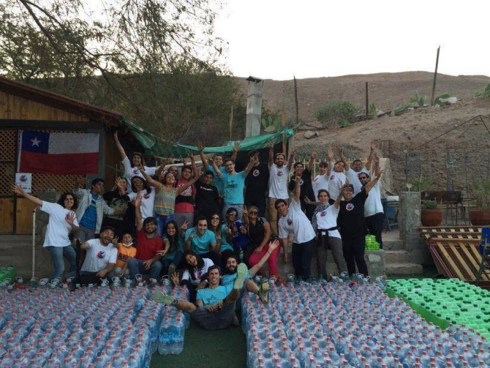 Chile: Jóvenes de la comunidad judía de Chile ayudan a los damnificados del temporal en el norte del país