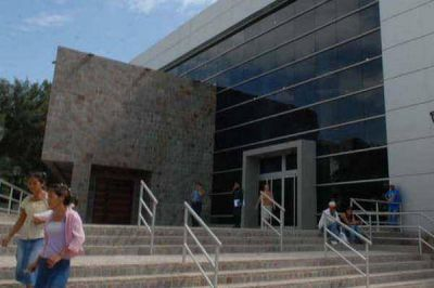 Al menos 15 personas acusan de estafa a una supuesta gestora bandeña