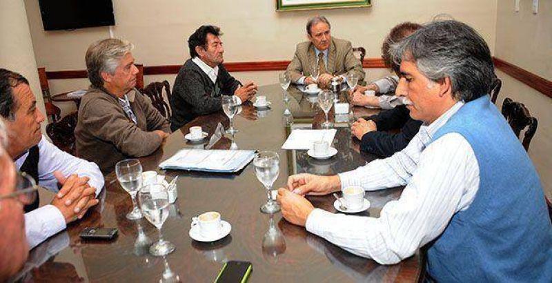 Cañeros se reunierpn con el gobierno por ayudas al sector