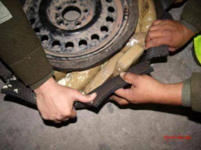 Catamarca incautan más de 13 kilos de cocaína ocultos en la rueda de auxilio de una camioneta