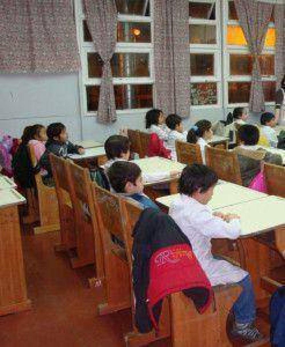 """La Ministra de Educación dijo que es """"ilegal"""" la medida de fuerza que sostiene el SUTEF"""