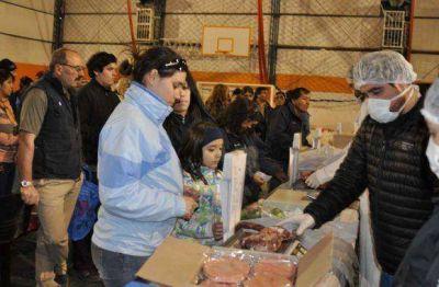 Se realiza la feria comunitaria, de pescados y quesos, a precios accesibles