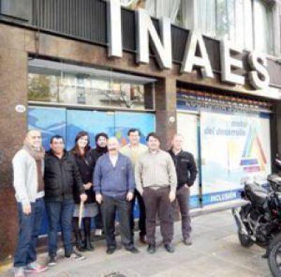 El Intendente estuvo junto a los trabajadores de la cooperativa Nueva Sudamtex en la entrega de la matrícula