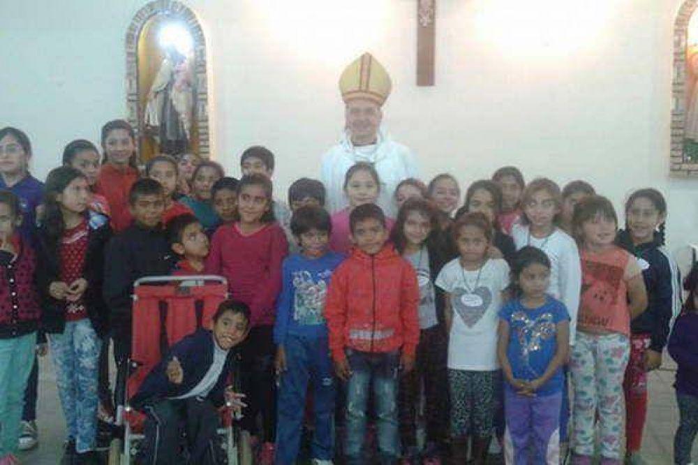 Mons. Torrado visitó a la comunidad religiosa del barrio Río Dulce