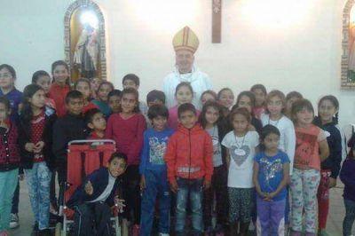 Mons. Torrado visit� a la comunidad religiosa del barrio R�o Dulce