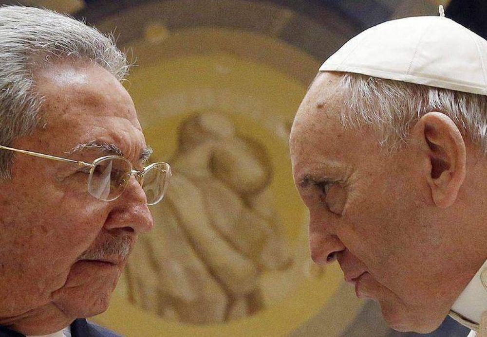 Raúl Castro se rindió ante Francisco:
