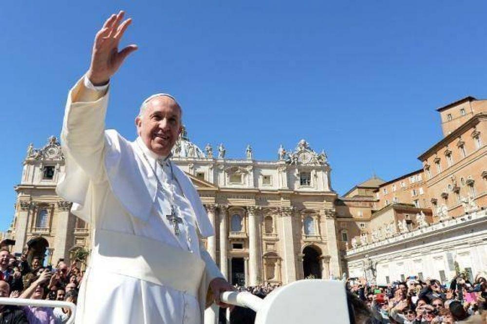 """""""El amor de Dios se realiza en el amor al prójimo"""", dijo el papa Francisco"""