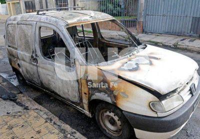 Vinculan la quema de autos con las próximas elecciones