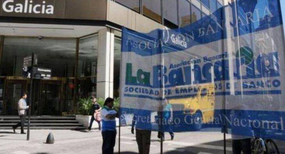 Los trabajadores bancarios ratificaron el paro de hoy pese a la conciliación obligatoria