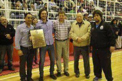 Anoche, el Polideportivo Carlos Margalot reabrió sus puertas