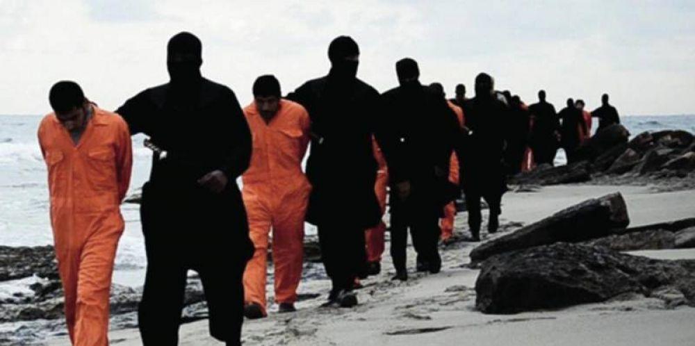 El Papa recuerda a los coptos degollados: murieron con el nombre de Dios en los labios