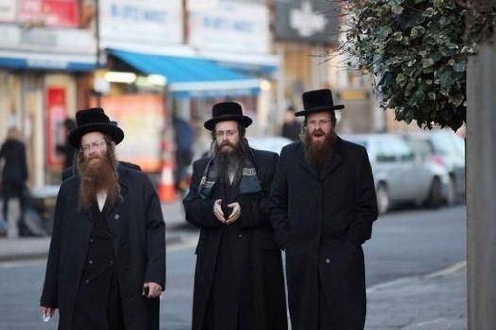 Policía obligó a un judío jasídico a raparse la barba y no usar la kipá en EEUU