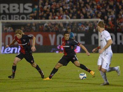 Incógnita por la identidad futbolística: ¿a qué juega el Newell's del Tolo?