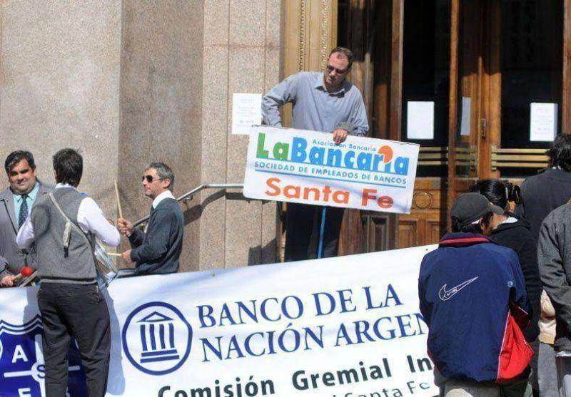 Los trabajadores bancarios paran este martes por 24 horas
