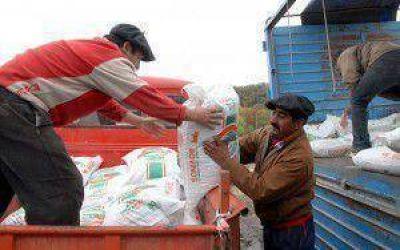 Asistieron a productores afectados por las cenizas