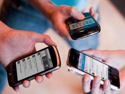 Piden m�s atenci�n al p�blico y control para la compa��as de telefon�a m�vil