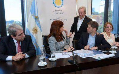 Peralta firmó refinanciación de la deuda con Nación