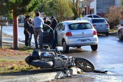 El joven motociclisa accidentado se encuentra en terapia intensiva con fractura de craneo