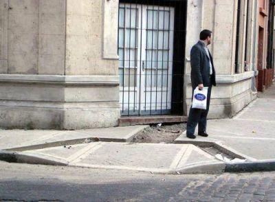 Proponen colocar rampas en las veredas de la ciudad