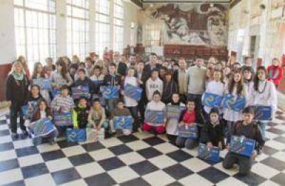 Se entregaron 250 netbooks en la Escuela Secundaria N°5