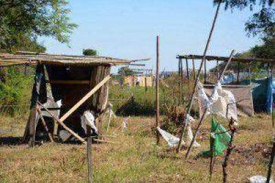 Provincia se desliga de usurpaciones en terrenos privados