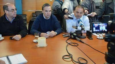 Weretilneck quiere que la Presidenta escuche el reclamo frut�cola y Rivero lo acus� de provocar