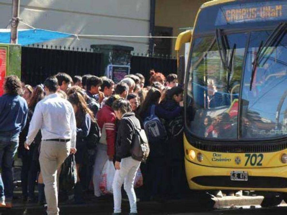 Posadas: Reunirán 50 mil firmas exigiendo el boleto educativo gratuito